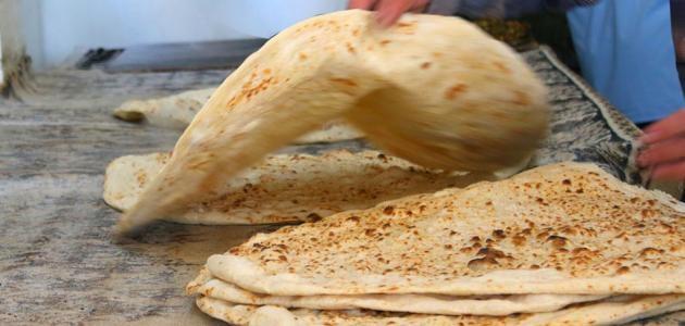 الحكومة تكثّف تحركات تمرير قرار رفع أسعار الخبز
