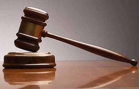إدانة مذيع مشهور بتحقير قاضي